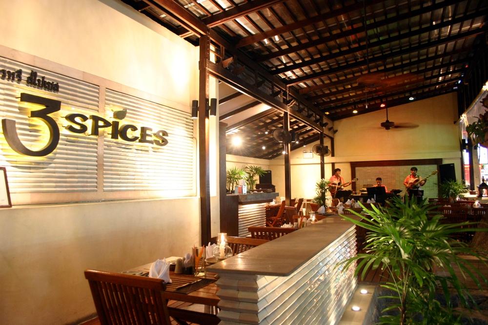 スリースパイシーズ(3 spices)-タイ料理