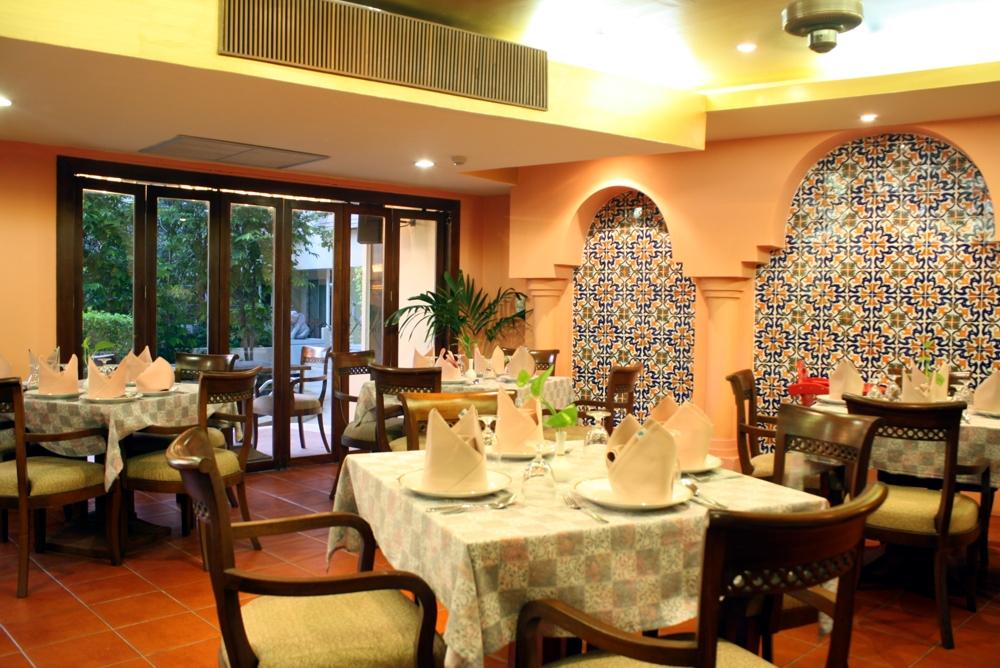 カサブランカ (Casablanca)-アラブ&インド料理
